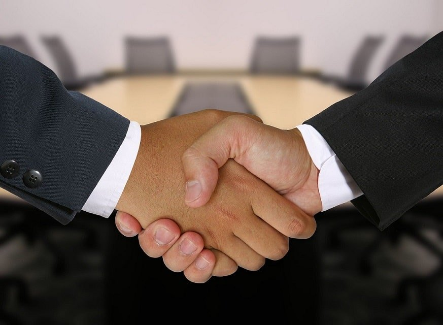 Colloration Shaking Hands