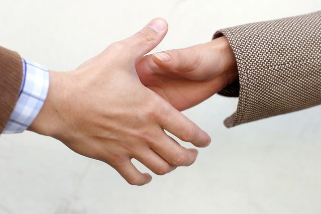 Image of a handshake for an article about What are Strategic Suppliers.